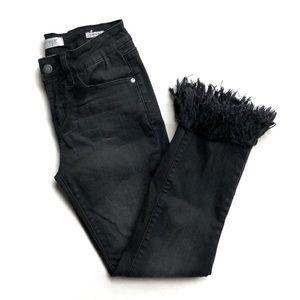 Judy Blue Cropped Frayed Black Denim Jeans